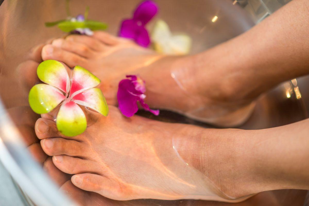 Foot Soak for Cracked Heels